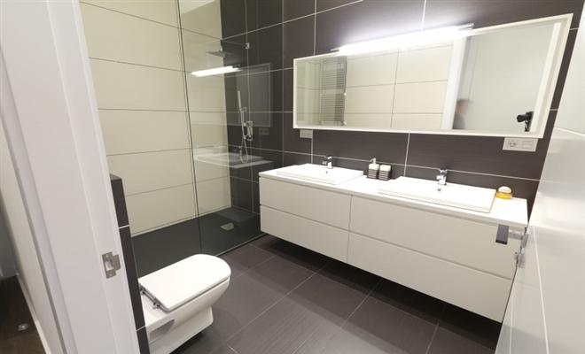 Bathroom Wall Tiles Ideas bathroom tile and flooring ideas - rfc cambridge - clever remodeling