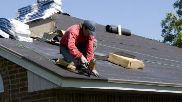 roof-replacement-skilled-roofer
