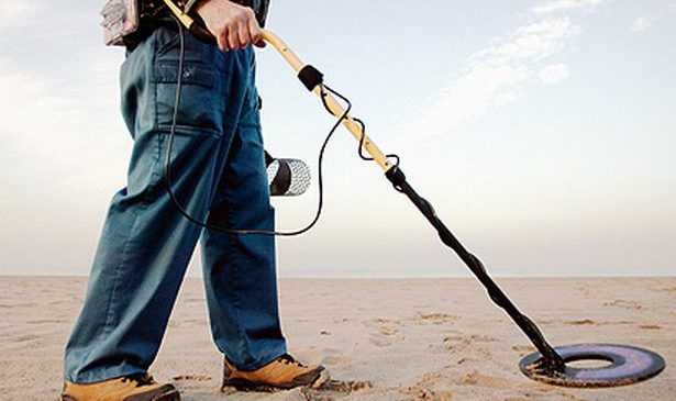 How to Use a Metal Detector Effetely?